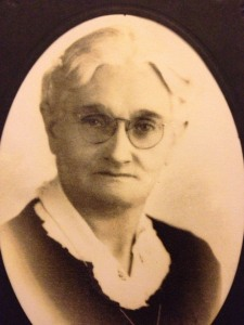This is Great-Grandma Rose. Gigs was her brother. I wonder if he looked like Mrs. Doubtfire, too.