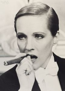 julie andrews was smoldering